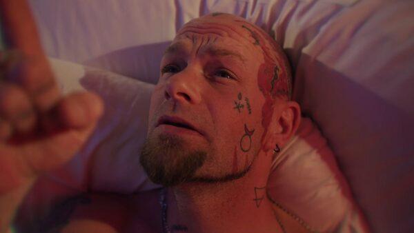 Videoclip Five Finger Death Punch A Little Bit Off