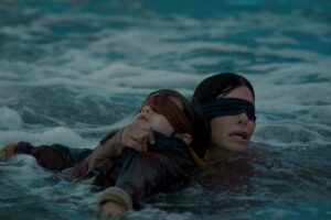 """Sandra Bullock și Julian Edwards în """"Bird Box"""""""