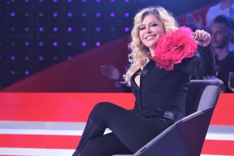 Loredana în timpul emisiunii