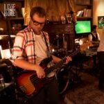 Mickey Madden, basistul Maroon 5