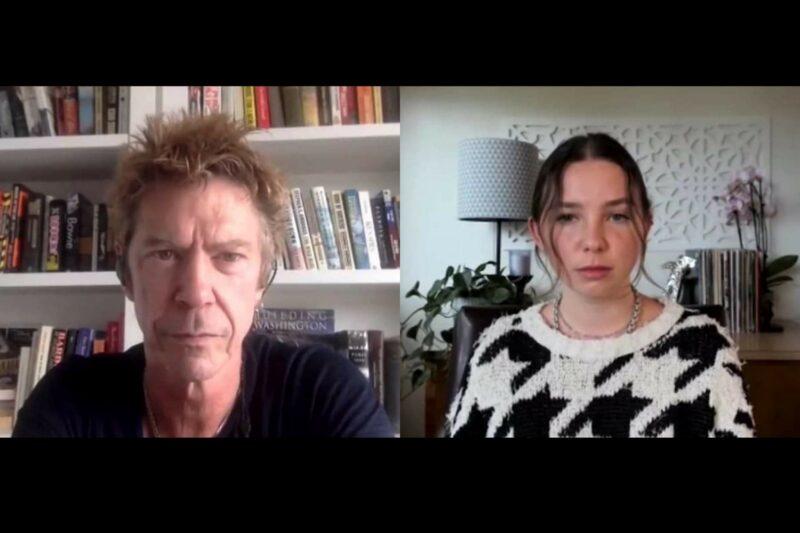 Duff McKagan și Lily Cornell Silver în cadrul podcastului