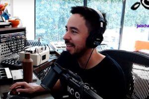 Mike Shinoda urmărind trupa Subcarpați