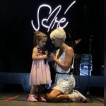 Sore și Erin împreună pe scenă