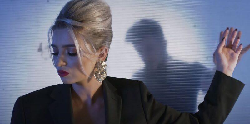 Videoclip Elena Bozian Nu Ma Lasa