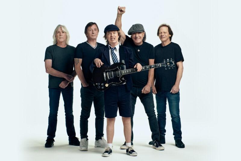 Trupa AC/DC promovând albumul