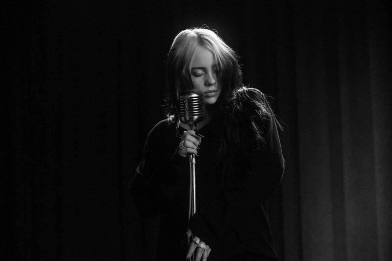 Billie Eilish (No Time To Die, 24.02.2020)