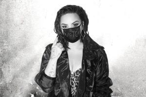 Demi Lovato (2020) promovând piesa Commander In Chief