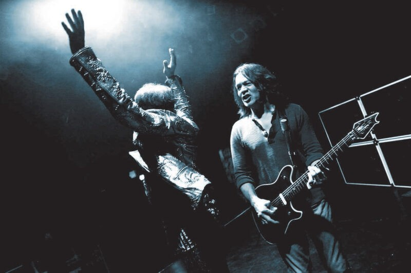 Van Halen (Eddie Van Halen) promovand albumul A Different Kind of Truth din 2012