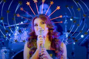 "Elena Gheorghe în concertul ""Lunâ Albâ"""