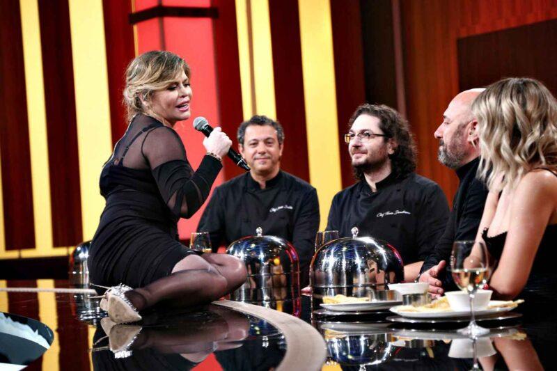 Loredana în cadrul emisiunii Chefi la Cuțite