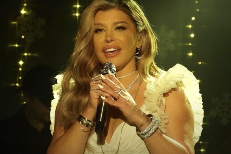 Loredana - Buna seară, iubite (Christmas 2020 Special)