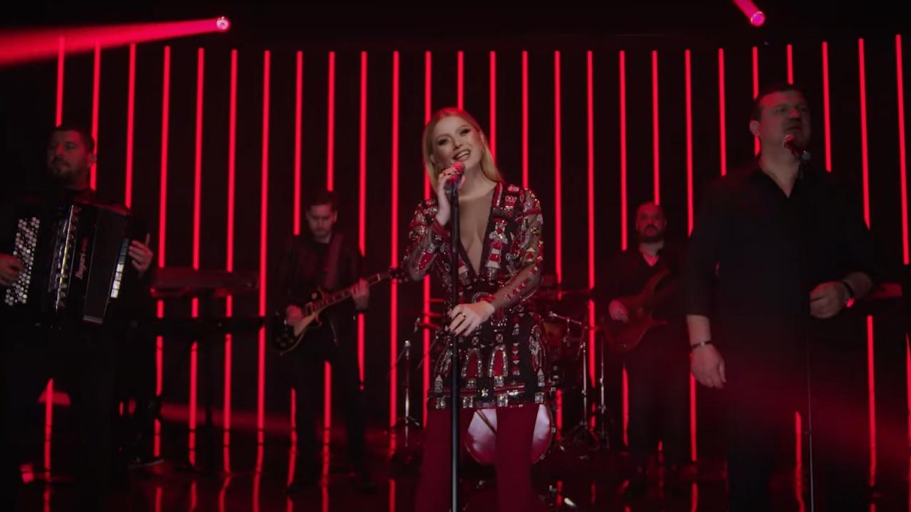 Videoclip Elena Gheorghe - Agapi