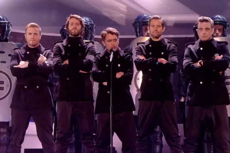 Take That la Brit Awards în 2011