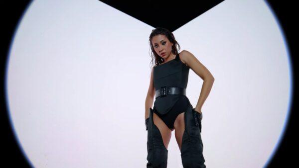 Videoclip Nicole Cherry feat. Jenn Morel - No Te Sale
