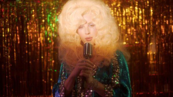 Videoclip Videoclip Silk City - New Love (feat. Ellie Goulding)