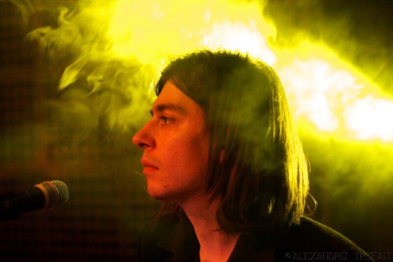 """6fingers (Sergiu Mitrofan) în Silver Church, la concertul de lansare a albumului """"Perfect"""", 17 februarie 2011"""