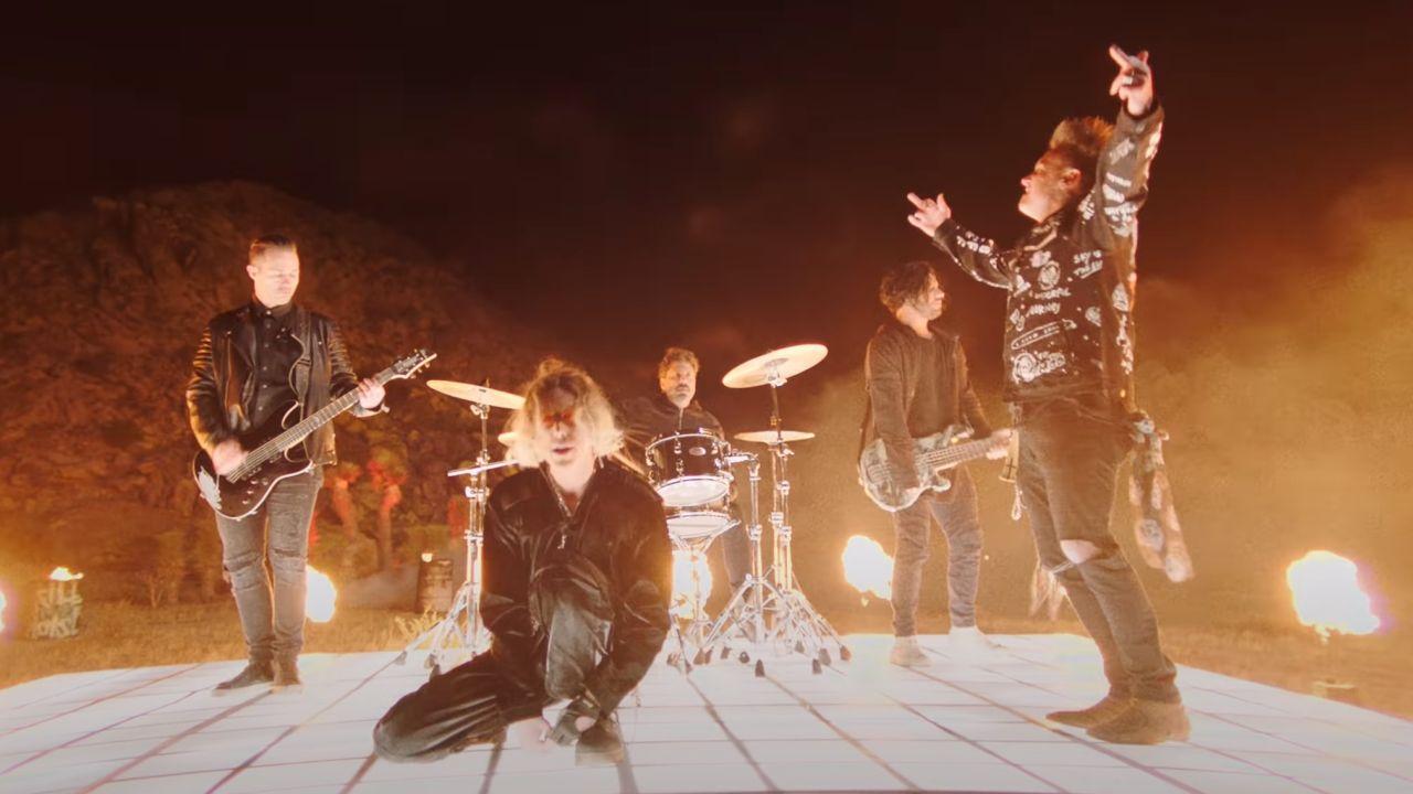 Videoclip Papa Roach Jeris Johnson Last Resort Reloaded