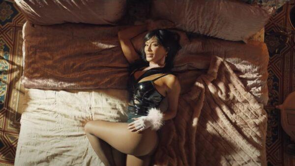 MC Blitzy feat Luis Fonsi & Nicole Scherzinger - She's BINGO