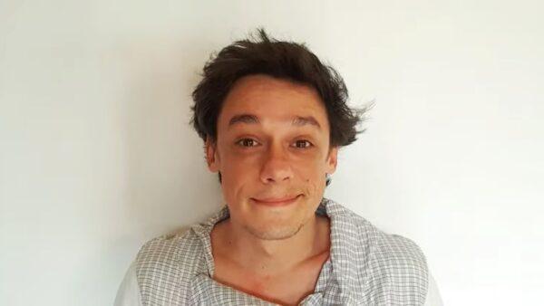 Taxi - Un fir din părul tău (jucată de Vlad Logigan)