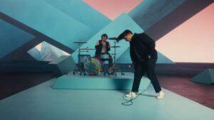 Videoclip Twenty One Pilots Shy Away