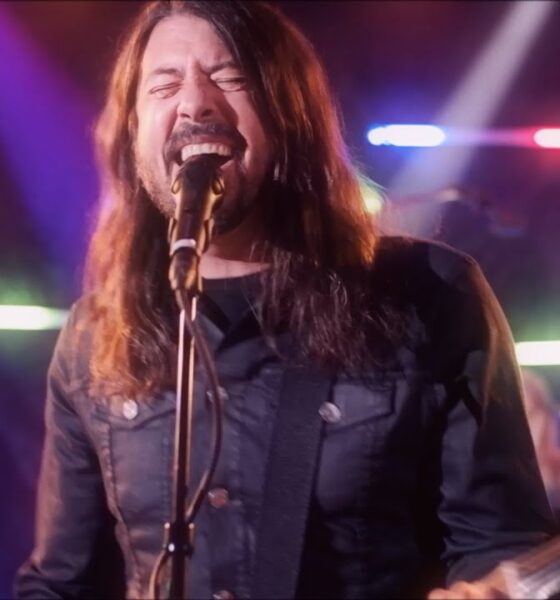 Foo Fighters You Should be Dancing cover Bee Gees