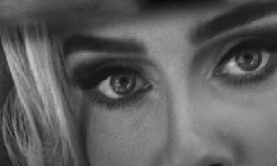 "Adele în videoclipul piesei ""Easy On Me"""