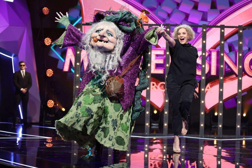 Maia Morgenstern și Muma Pădurii la Masked Singer 2021