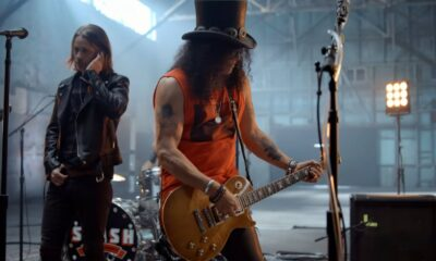 Videoclip Slash Myles Kennedy and the Conspirators The River Is Rising